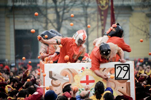 Battaglia delle arance - foto M. Gjivovich
